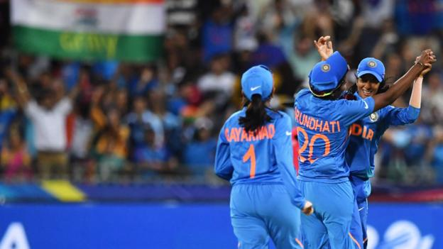 Women's T20 World Cup: Australia stunned by India in Sydney thumbnail