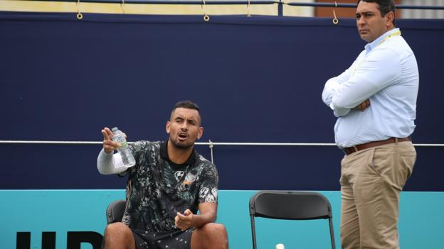 Nick Kyrgios accuses line judge of 'rigging game' at Queen's thumbnail