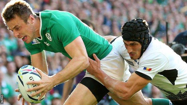 Tommy Bowe scores Ireland's first try against Romania at Wembley