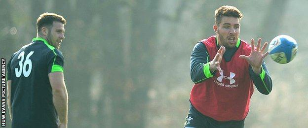 Gareth Davies and Rhys Webb in training for Wales