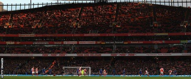 Clock End at Emirates
