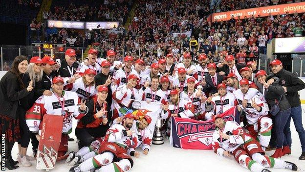 Cardiff Devils team photo after winning 2019 Play-Off final