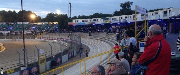 Ipswich speedway fans