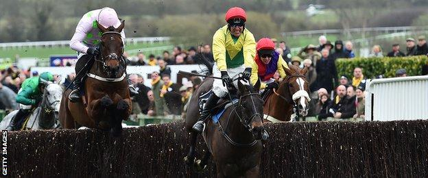Sizing John wins the Gold Cup