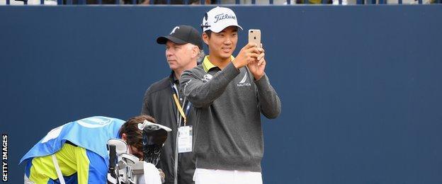 Michael Kim takes a selfie at Carnoustie