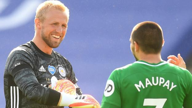 Schmeichel saves penalty as Leicester draw with Brighton thumbnail