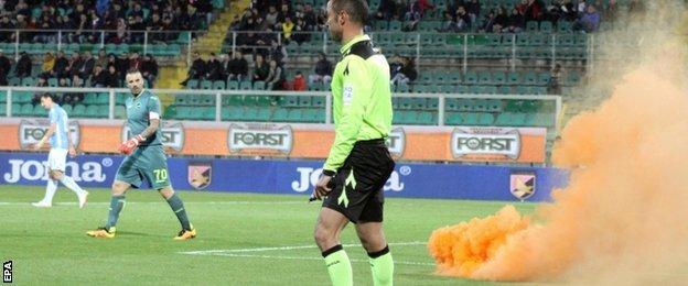 Crowd trouble at Palermo v Lazio