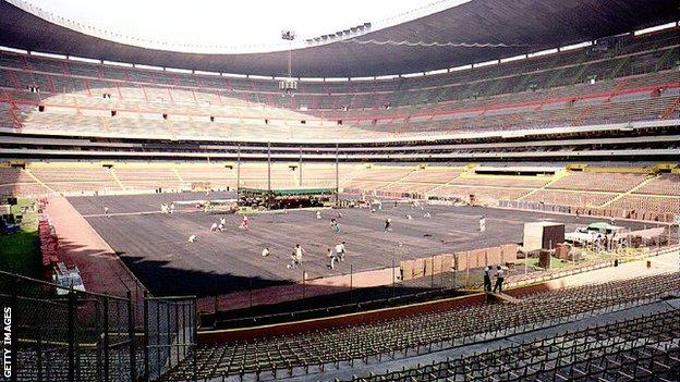 Estadio Azteca in Mexico City has hosted two World Cup finals but Chavez v Haugen remains its record attendance