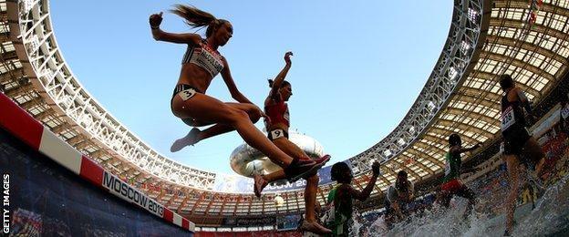 Eilish McColgan, GB Olympic steeplechaser