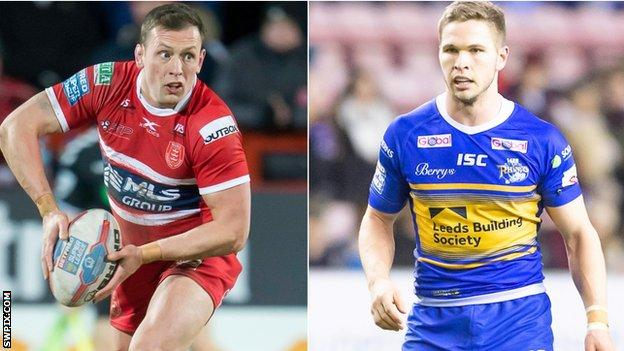 (l to r) Shaun Lunt in action for Hull KR with Matt Parcell in action for Leeds