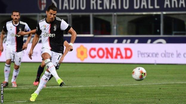 Bologna 0 2 Juventus Cristiano Ronaldo Goal Helps Serie A Champions Win Bbc Sport
