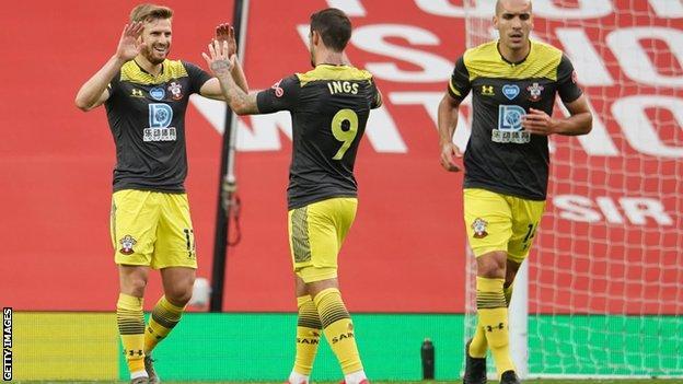 Southampton players celebrate Stuart Armstrong's goal