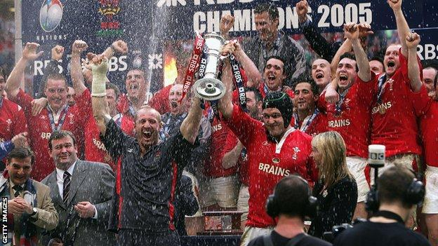 Wales celebrate their 2005 Grand Slam