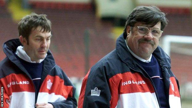 Ricky Tomlinson (right) as Mike Bassett and Bradley Walsh (left) as his England assistant Dave Dodds