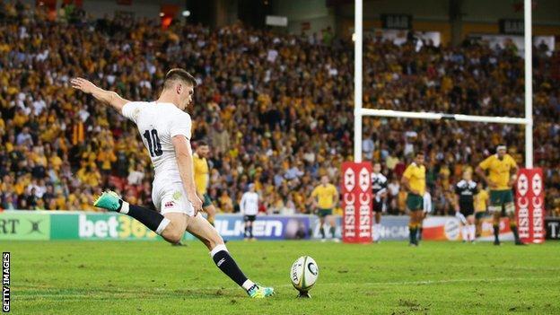 Owen Farrell lands a penalty for England