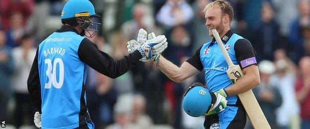 Ben Cox reaches his century for Worcestershire