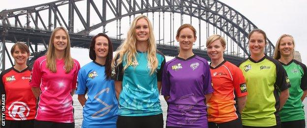 Sarah Elliott, Ellyse Perry, Megan Schutt, Holly Ferling, Julie Hunter, Jess Cameron, Rene Farrell, Meg Lanning