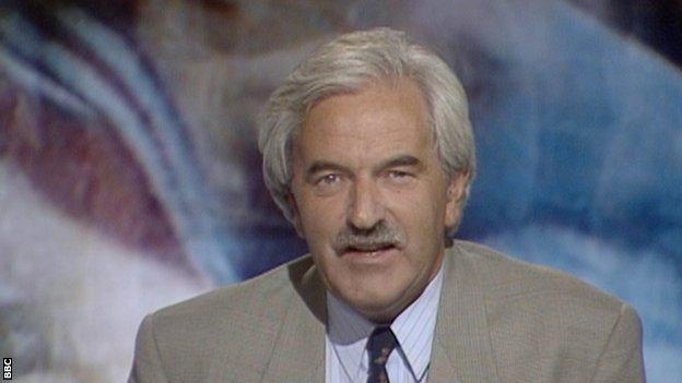 Des Lynam presenting Match of the Day in 1992