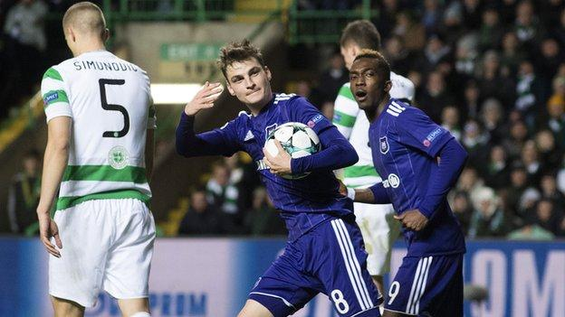 Anderlecht's Pieter Gerkens and Celtic defender Jozo Simunovic