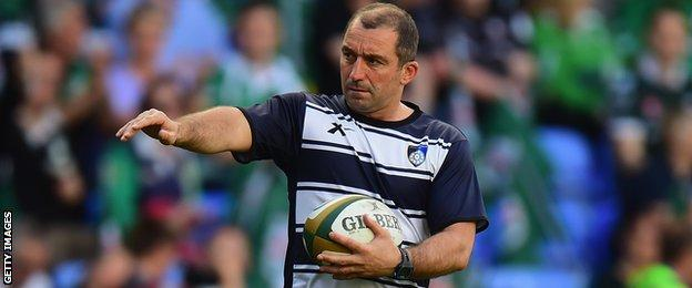 Bryan Redpath oversees a Yorkshire Carnegie warm-up