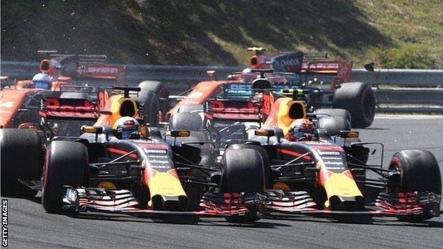 Daniel Ricciardo and Max Verstappen fight for position