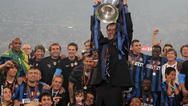Jose Mourinho celebrates winning the Champions League with Inter Milan