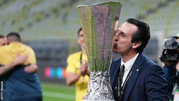 Unai Emery with the Europa League trophy