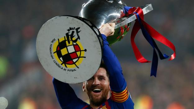 Barcelona 1-0 Levante: Lionel Messi off the bench to secure La Liga title thumbnail
