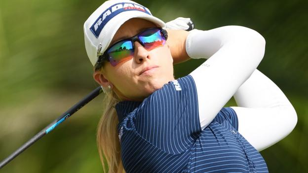 Women's World Championship: Jodi Ewart Shadoff two shots off lead in Singapore thumbnail