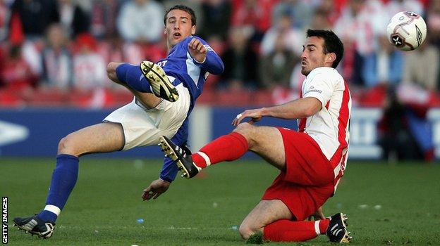 Glenn Murray playing for Carlisle against Stevenage in the 2005 National League play-off final. Carlisle won 1-0