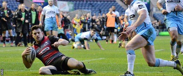 Matt Scott scores for Edinburgh