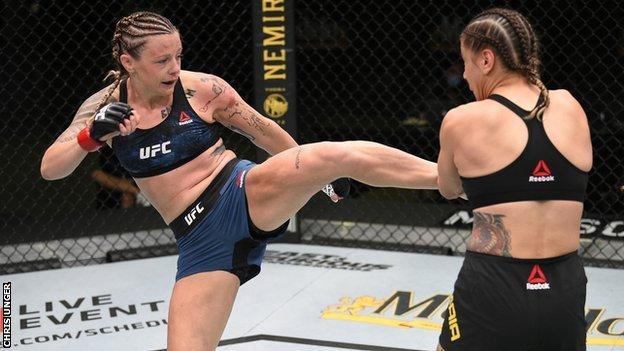 Joanne Calderwood kicks opponent Jennifer Maia at UFC Fight Night in August 2020