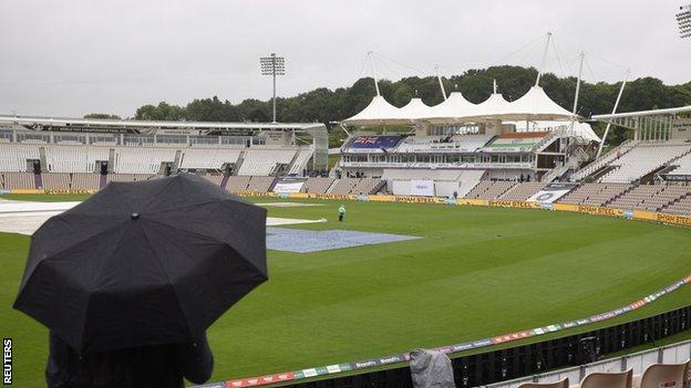 Rain at the Hampshire Bowl