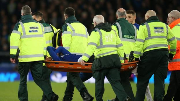 Andre Gomes: Everton midfielder 'to make full recovery' after successful ankle surgery thumbnail