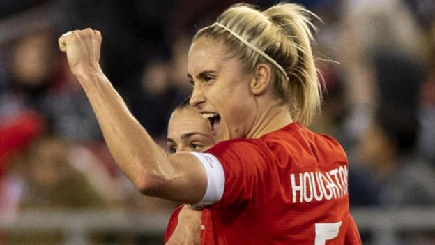 England women want to become dominant like All Blacks - Phil Neville thumbnail