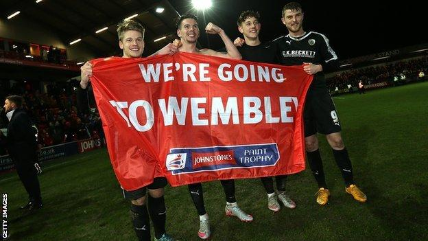 Barnsley book a Wembley date