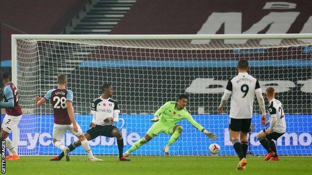 Tomas Soucek scores against Fulham