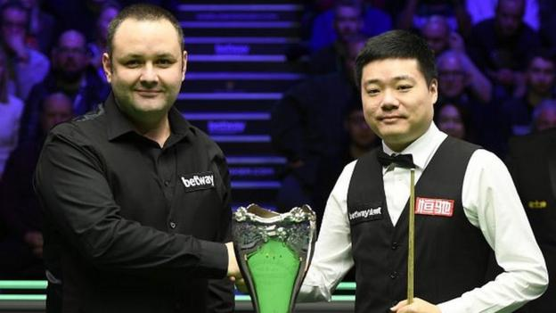 UK Championship final: Ding Junhui leads Stephen Maguire after first session thumbnail