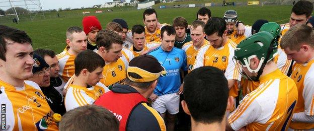 Kevin Ryan talks to his Antrim players after a hurling league match in 2014