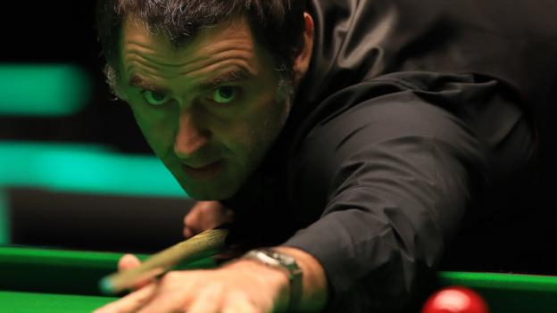 UK Championship: Ronnie O'Sullivan eases through with another whitewash thumbnail