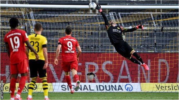 Borussia Dortmund 0 1 Bayern Munich Joshua Kimmich Sends Leaders Seven Points Clear Bbc Sport