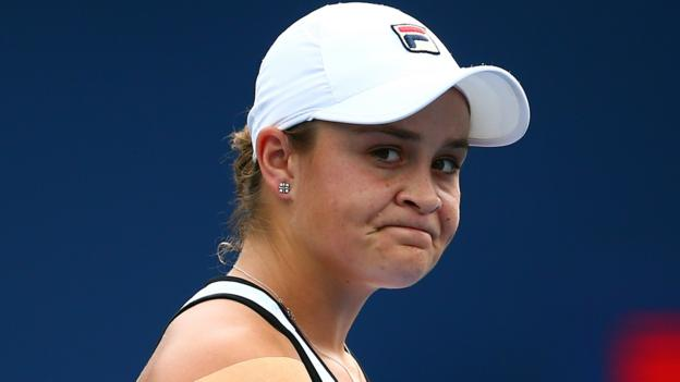 World number one Ashleigh Barty loses to Sofia Kenin in Rogers Cup thumbnail