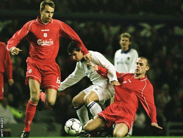 Dietmar Hamann and Danny Murphy in action for Liverpoo