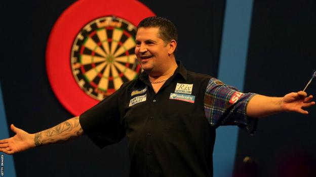 Gary Anderson won his first PDC World Championship.