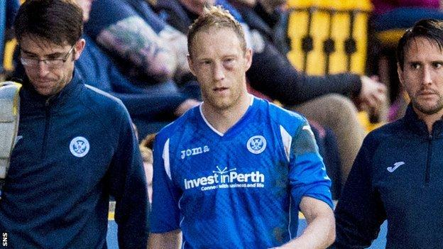 St Johnstone defender Steven Anderson with a bruised cheek