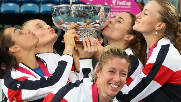 Fed Cup: France beat Australia in Perth to end 16-year wait thumbnail