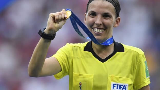 Super Cup: Stephanie Frappart first woman to referee major Uefa men's competitive match thumbnail