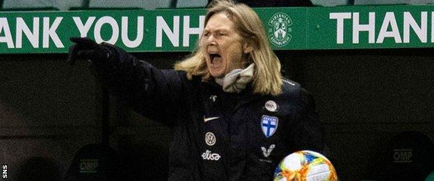Finland head coach Anna Signeul