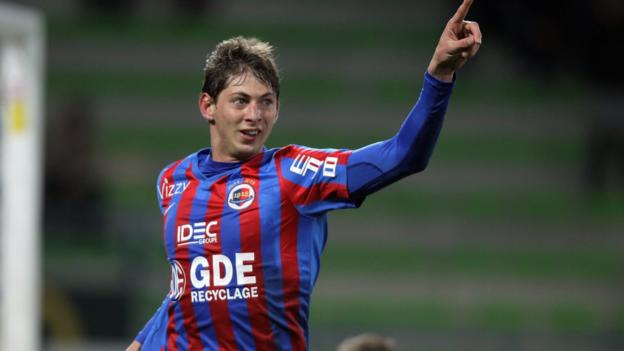 Emiliano Sala: Profile of 'a South American warrior' & the 'local Carlos Tevez' thumbnail