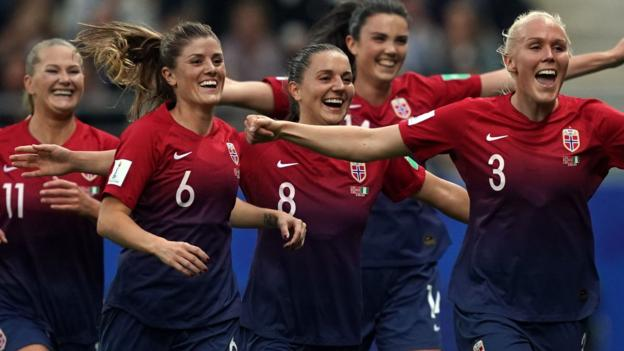 Norway Women 3-0 Nigeria Women thumbnail